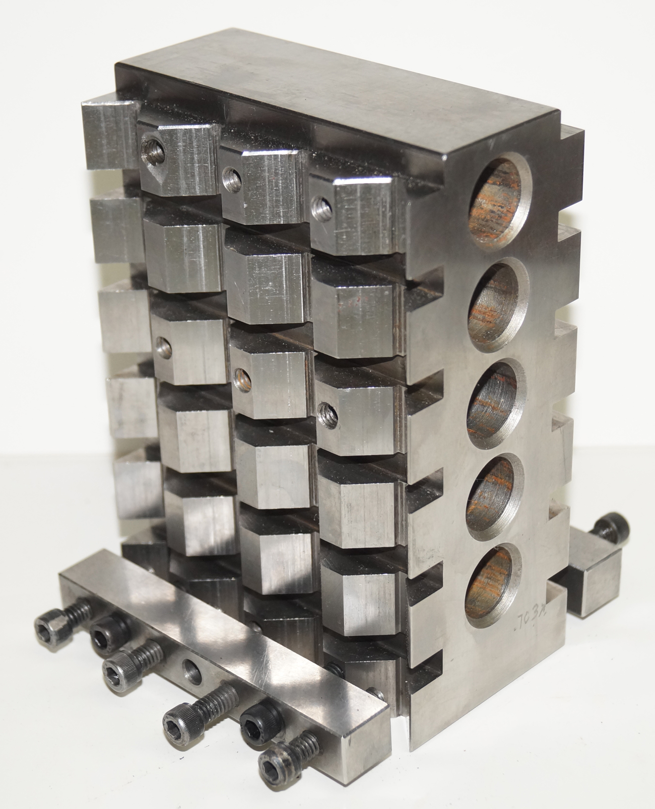 V-Block Tombstone Workholding Jig for Machines