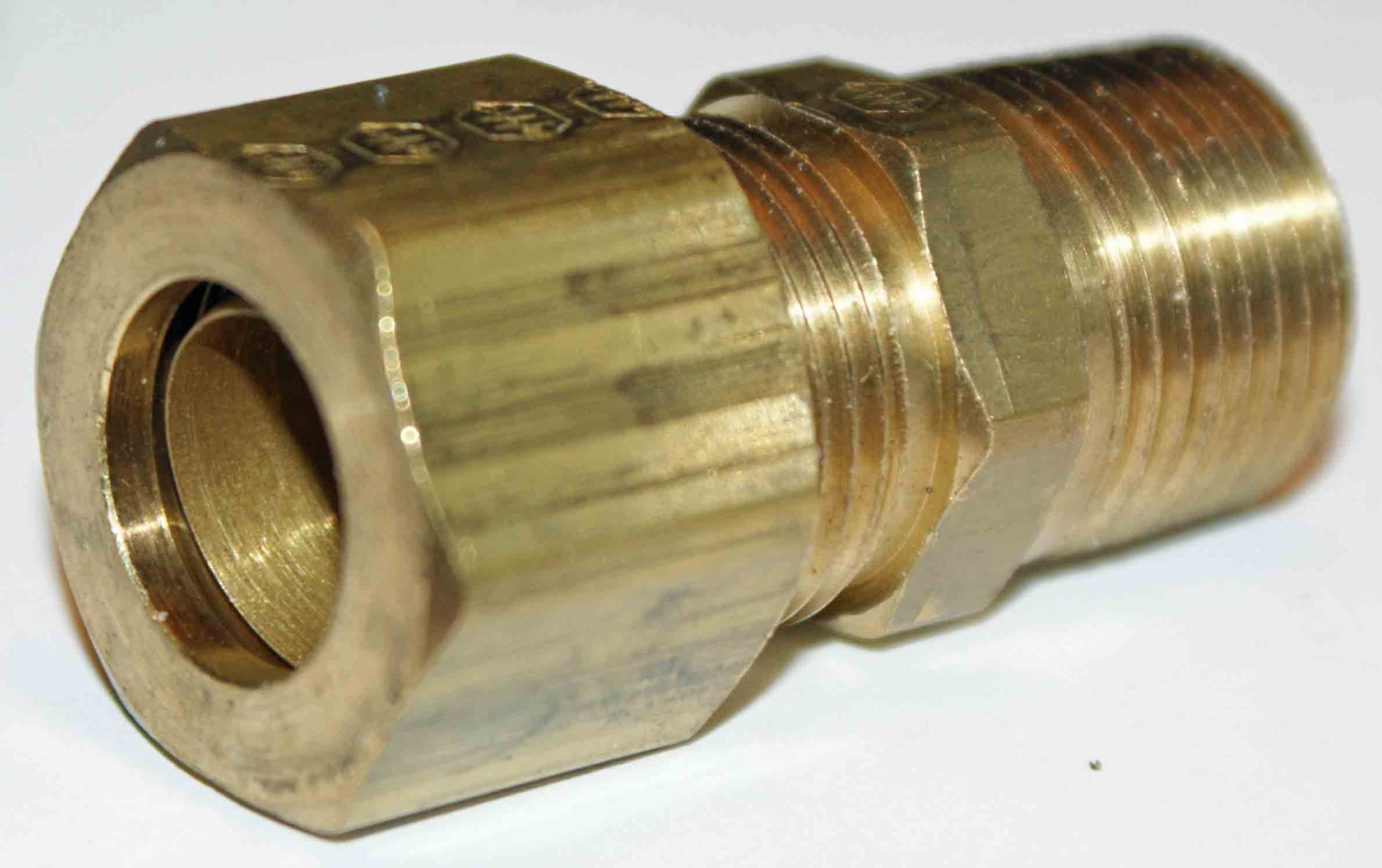 Weatherhead 68X8 Male Connector Fitting - Brass